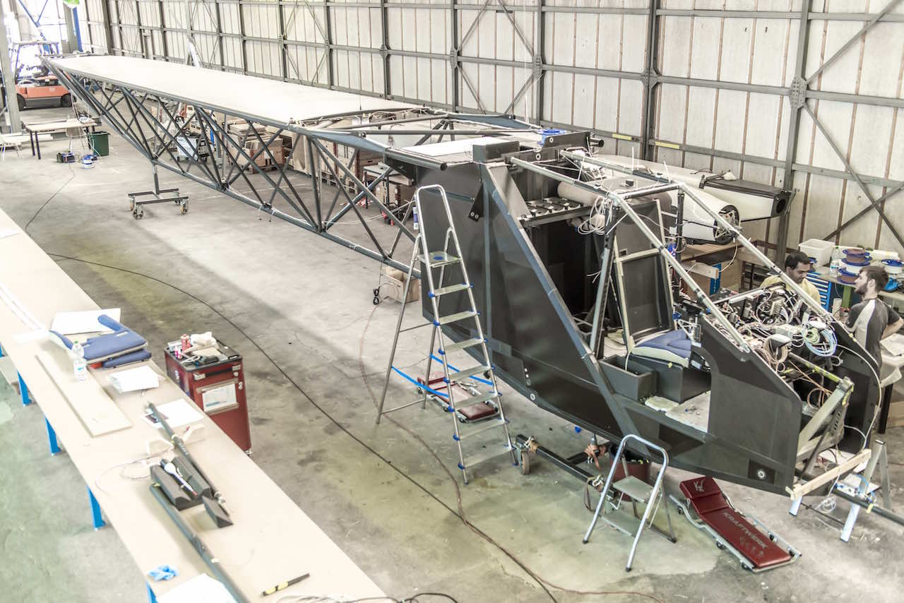 Solar Impulse second aircraft fuselage and cockpit assembling