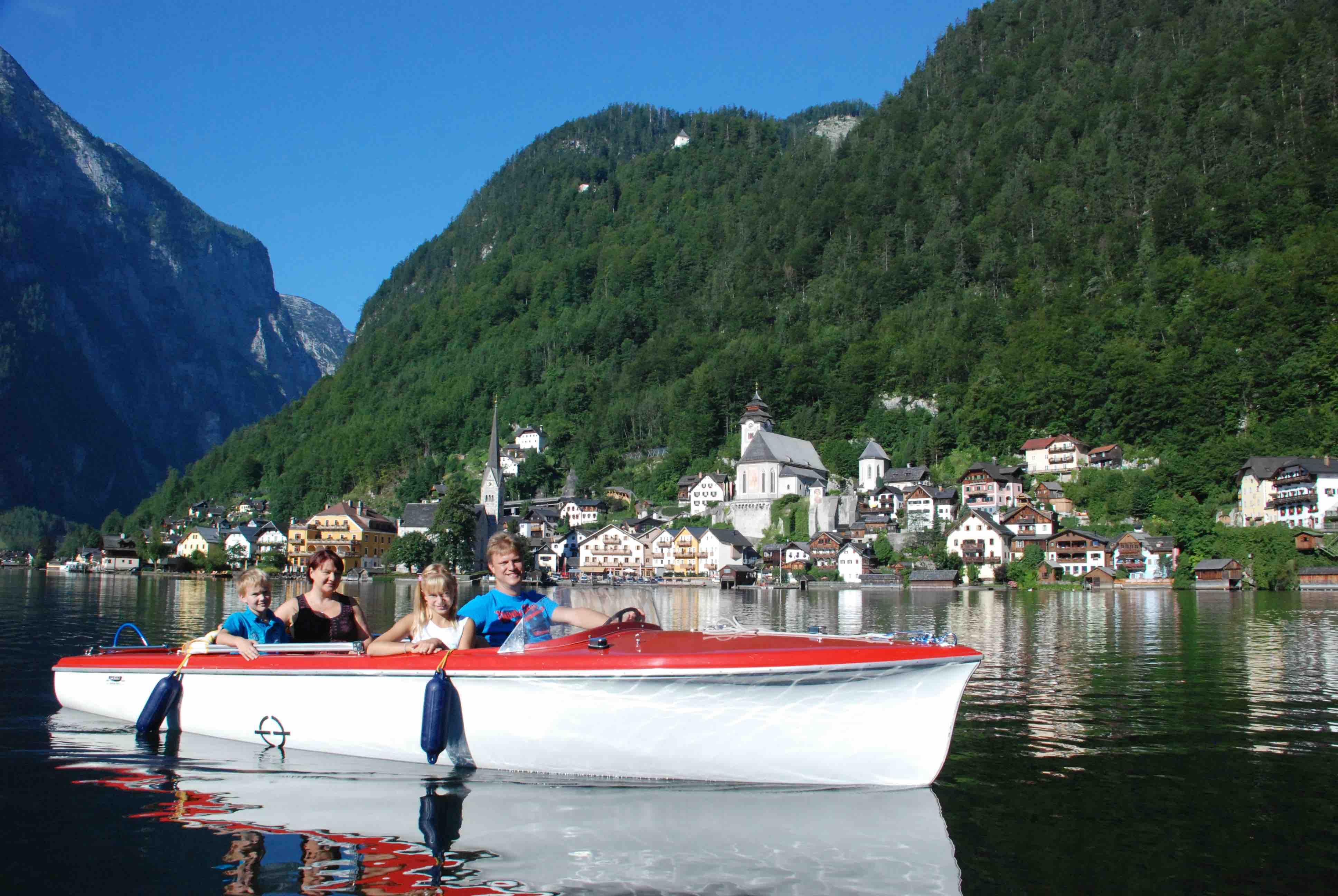 3 hallstatt-elektroboot-fahren-c-kraft