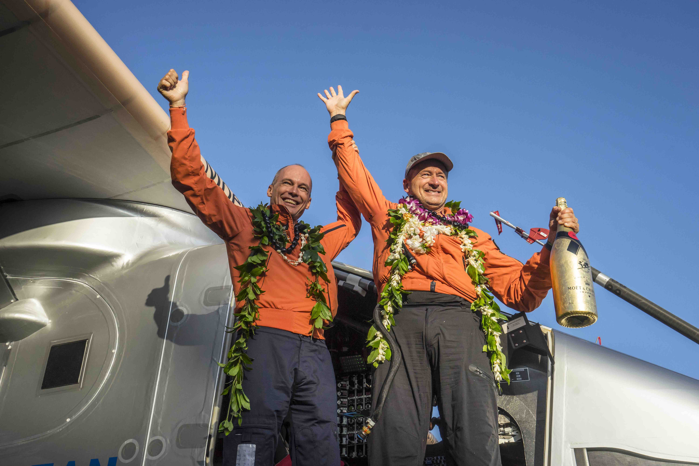Solar Impulse lands in Hawaii
