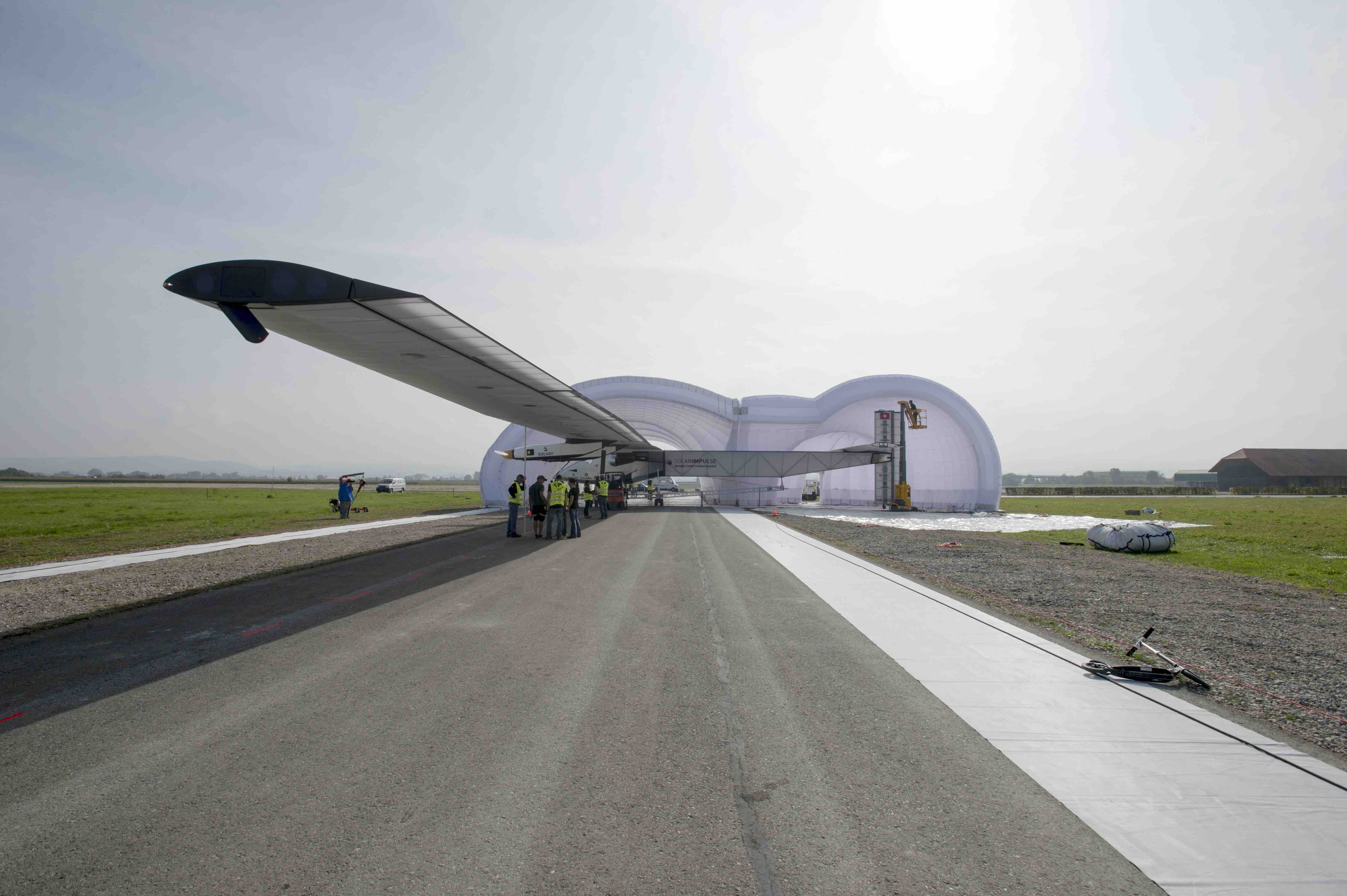 5 150704-Inflatable-Hangar-2
