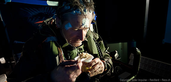 solar-impulse-nutrition-feature-eating-pilot