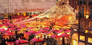 出典: Weihnachtsmarkt Köln | Wikipedia CC BY-SA 3.0 | http://de.wikipedia.org/wiki/Weihnachtsmarkt#/media/File:Weihnachtsmarkt_Dom_2011_1.jpg