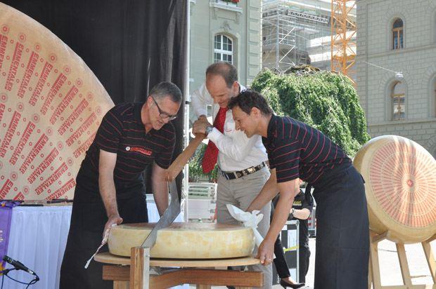 2014年はエメンタールの生乳チーズが優勝した。