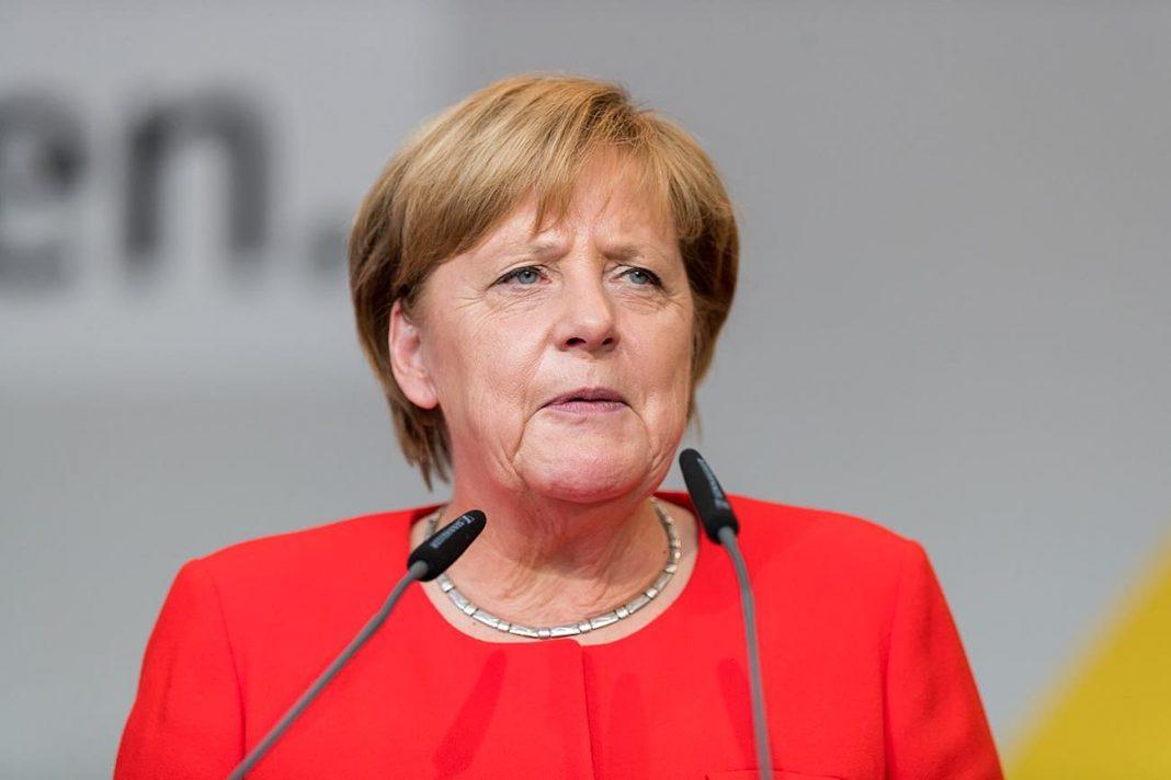 出典:|Wikipedia CC BY-SA 4.0|http://commons.wikimedia.org/wiki/File:Angela_Merkel_-_2017248170623_2017-09-05_CDU_Wahlkampf_Heidelberg_-_Sven_-_1D_X_MK_II_-_150_-_B70I6066.jpg#/media/File:Angela_Merkel_-_2017248170623_2017-09-05_CDU_Wahlkampf_Heidelberg_-_Sven_-_1D_X_MK_II_-_150_-_B70I6066.jpg